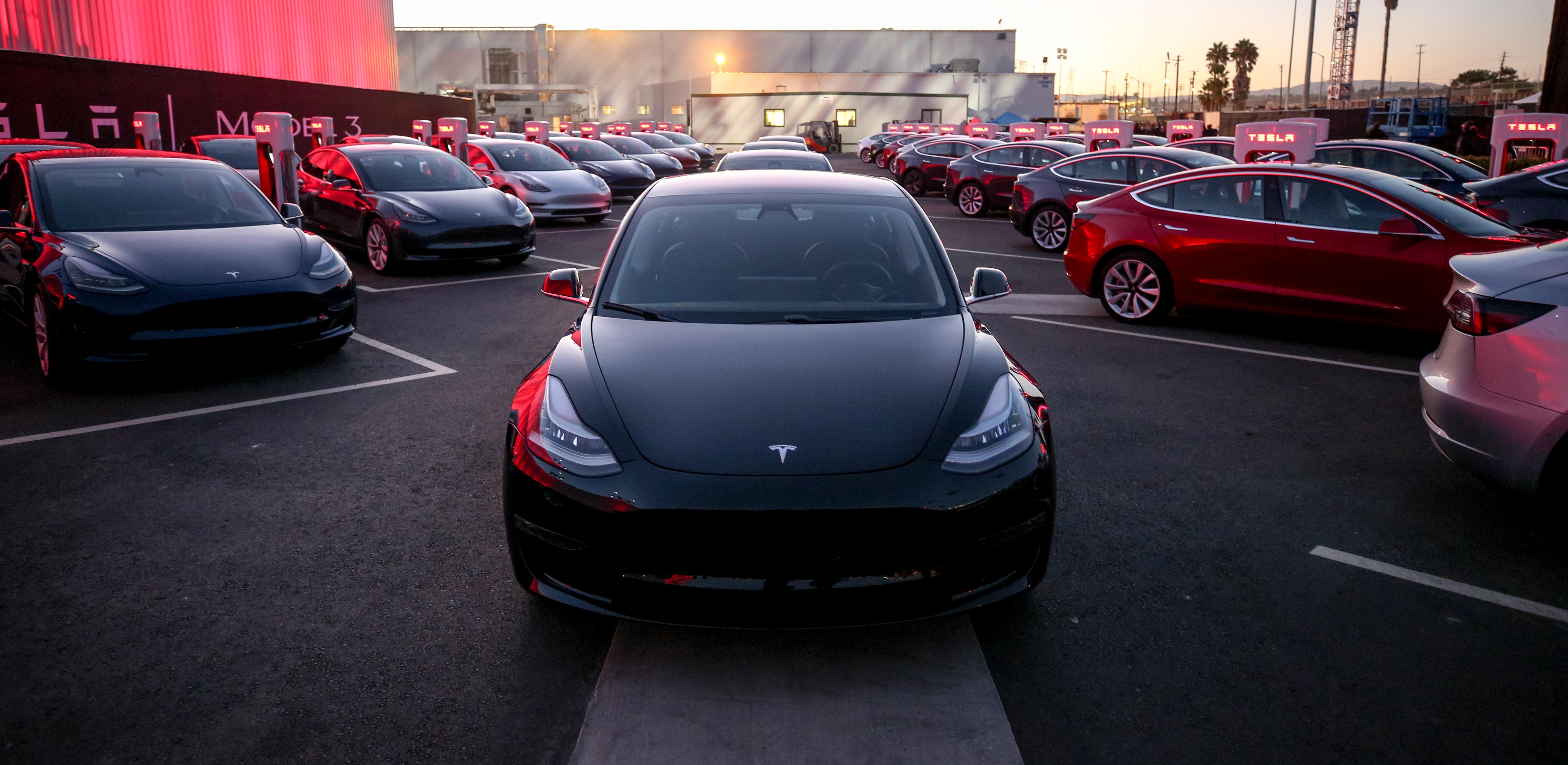 Bereits mehr als 1'400 Bestellung für das Tesla Model 3 in der Schweiz, über 15'500 in Europa